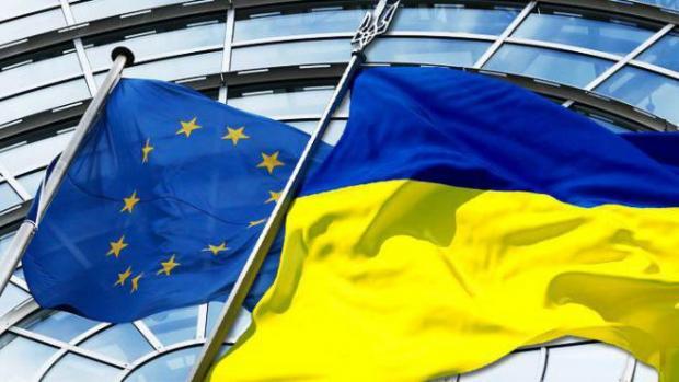 Влада: Диванна сотня: Безвізовому режиму бути! ЄС готовий піти на компроміс по скандальному закону