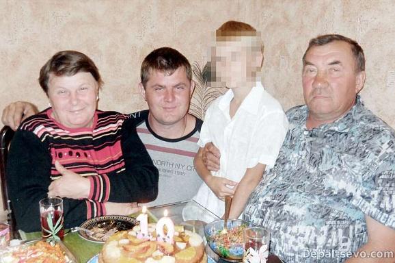 Родина фермерів Сокіл-Ясінських. Фото: debaltsevo.com.