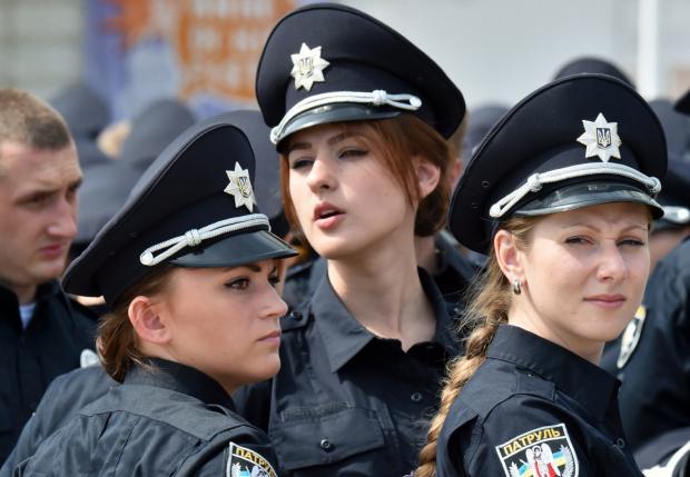 """Результат пошуку зображень за запитом """"поліція дівчата"""""""