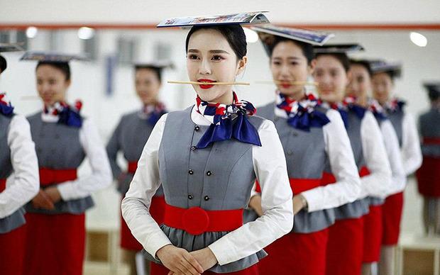 Фото дівчат стюардеси фото 192-513