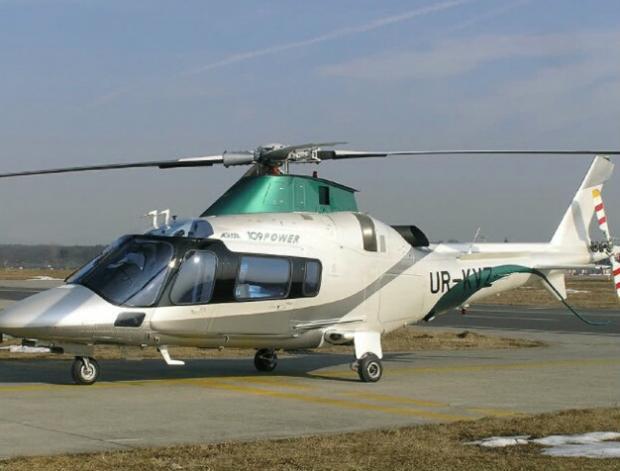 Вертолет Константина Жеваго с именным номером KVZ