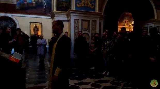 Молитва за Україну у Києво-Печерській Лаврі. Фото: скріншот з відео.