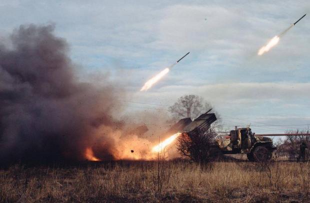 Під Маруполем триває найжорстокіший бій за весь час АТО. Фото: Фейсбук.
