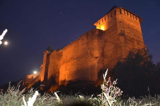 Замок (цитадель) ХІІІ-ХІХ ст. Освітлення вночі