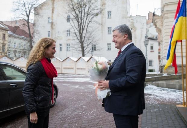 Петро Порошенко і Жулі Паєтт у Палаці Потоцьких