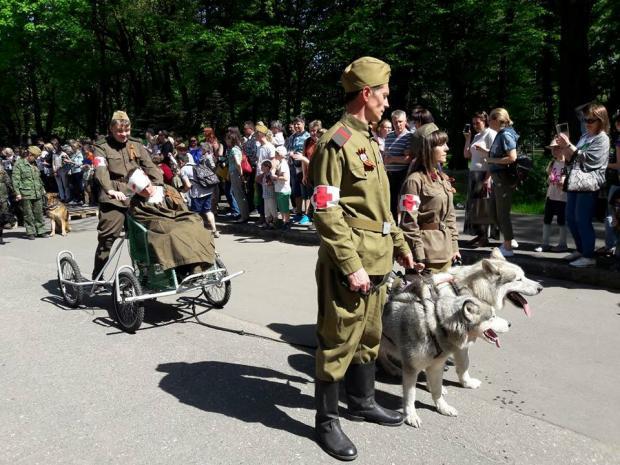 """Акція """"Кудлатий полк"""" у Росії. Фото: соцмережі."""