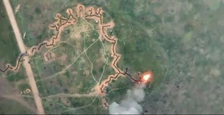 Удар по окупантах виявився вдалим. Фото: скріншот з відео.
