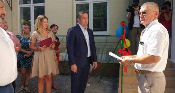 """У Криму відкрили фейковий пункт """"швидкої допомоги"""". Фото: primechaniya."""
