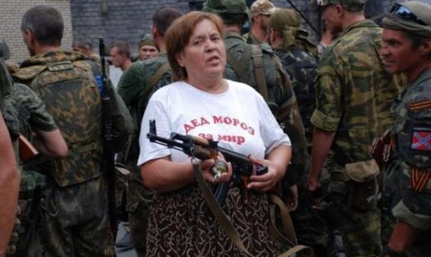 """Проукраїнське населення швидко закінчилося або втекло, то тепер почали грабувати """"своїх"""". Фото: соцмережі."""