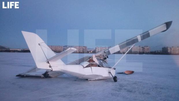 В Мурманській області впав літак. Фото: Life.