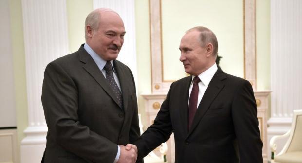 Путін намагається втягнути у свої війни Лукашенка. Фото: ТАСС.
