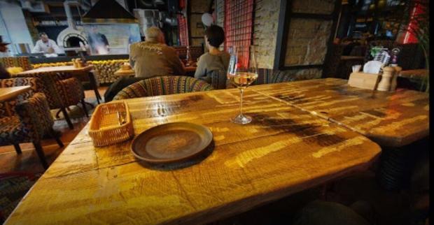 Приміщення ресторану грузинської кухні в Києві.