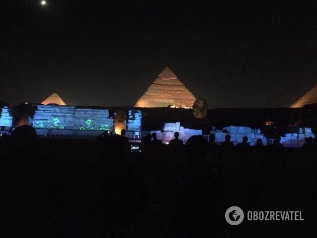 Світлове шоу у пірамід Гізи