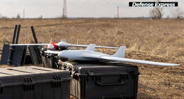 """У склад комплексу від компанії """"Атлон Авіа"""" входить декілька дронів та станція управління"""