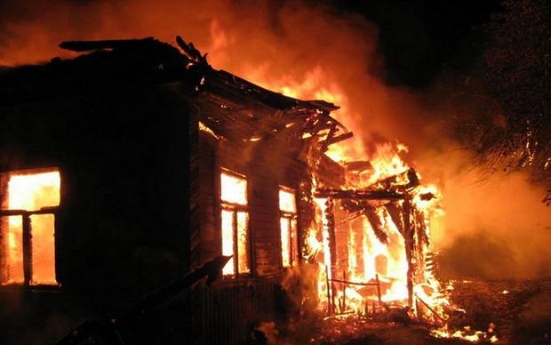 Пожежники лівкідовують загорання