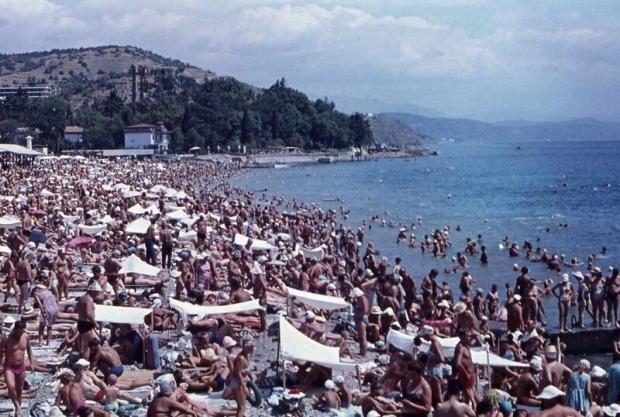 Відпочинок на пляжі Чорного моря за СРСР