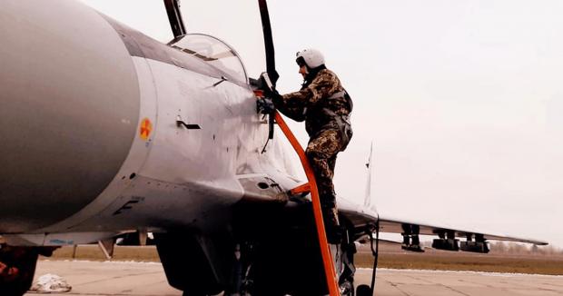 Пілот бригади тактичної авіації та МіГ-29. Листопад 2020. Фото: 40 БрТА