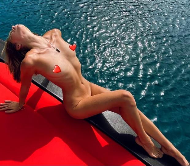 Турецькі ЗМІ опублікували фото дівчат на яхті