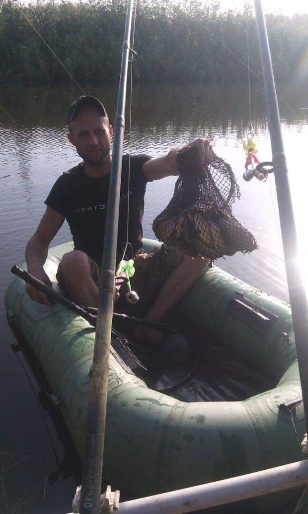 Дмитро любив їздити на риболовлю