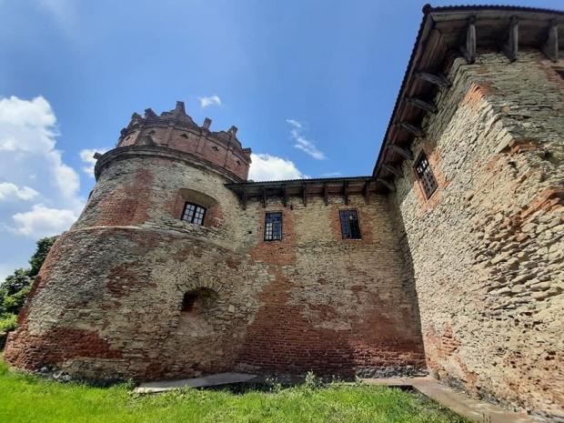 Палац у місті Хмільник